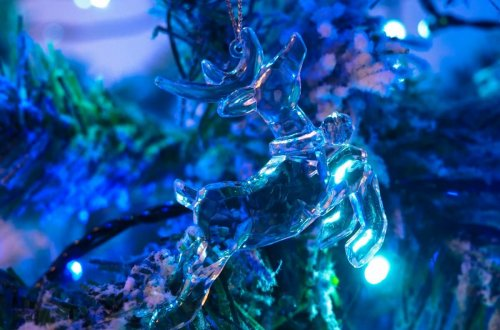 Decorating-the-Christmas-Tree-with-TK-Maxx-glass-reindeer