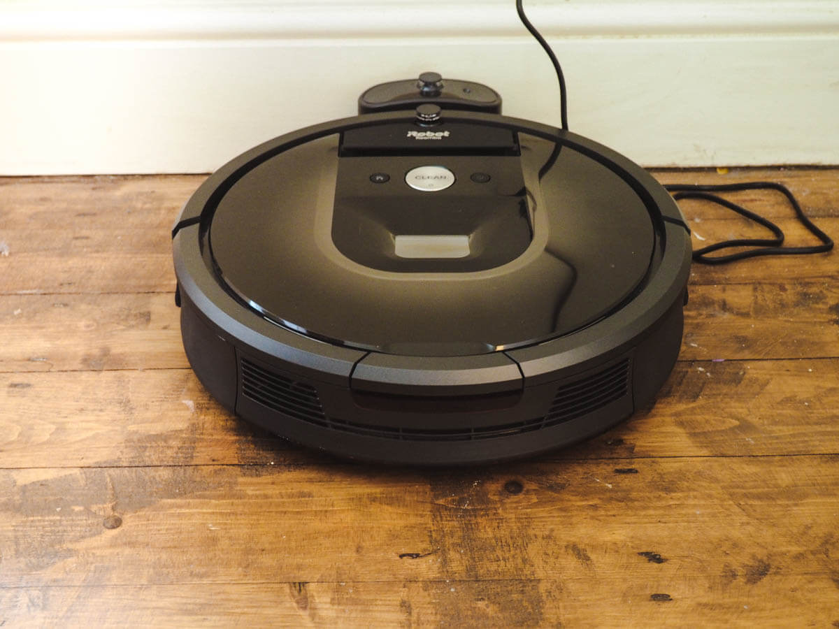 It's Roomba Time - iRobot Roomba 980 Review - Roomba on charger